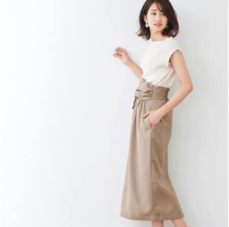 ピエロのリネンライク ワイドベルトタイトスカート