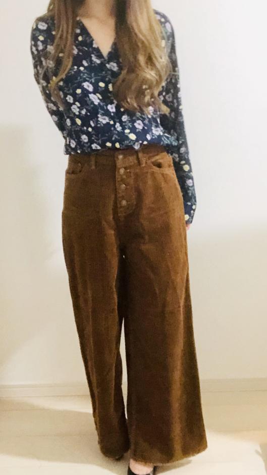 夢展望の前ボタンデザインコーデュロイ裾切りっぱなしワイドパンツ