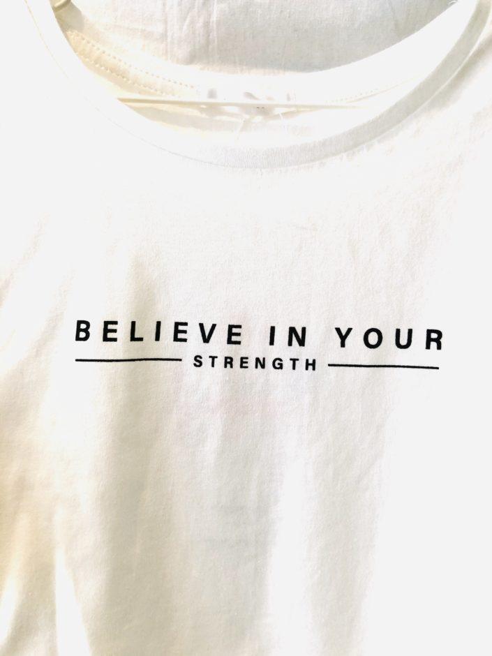 しまむらの500円Tシャツ