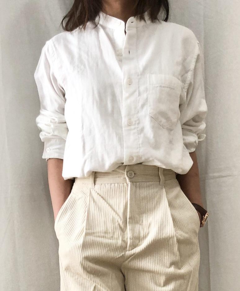 セールでお得に購入した無印良品の白シャツ