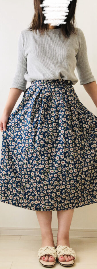 ジェミレミで購入した花柄スカート